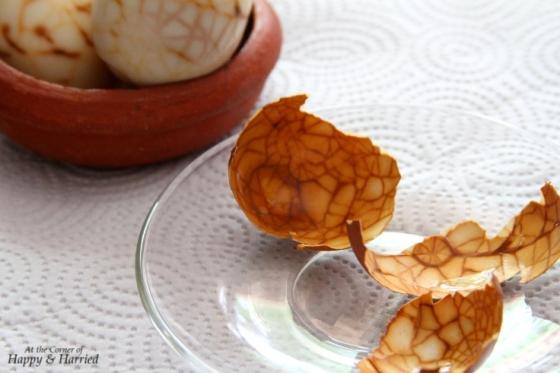 Chinese Marbled Tea Eggs & Eggshells