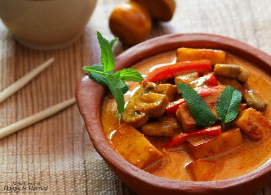 Thai Massaman Curry {With Mushroom, Peppers, Eggplant & Paneer} | At ...