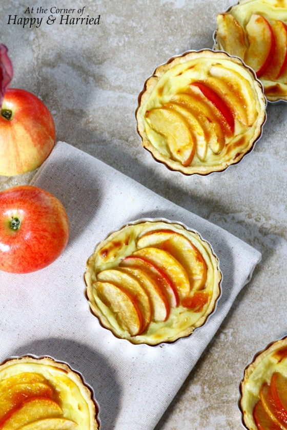 Mini Apple Tarts With Pastry Cream Filling