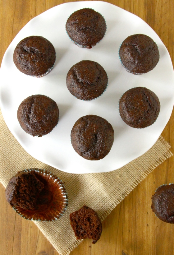 Easy Chocolate Cupcakes (Made With Cocoa Powder)